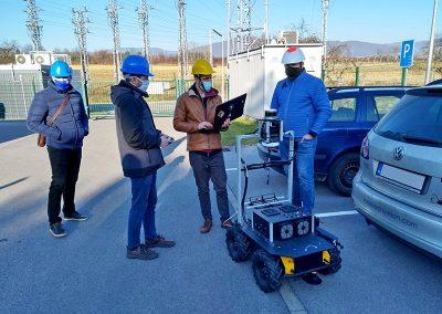 Robot for power station